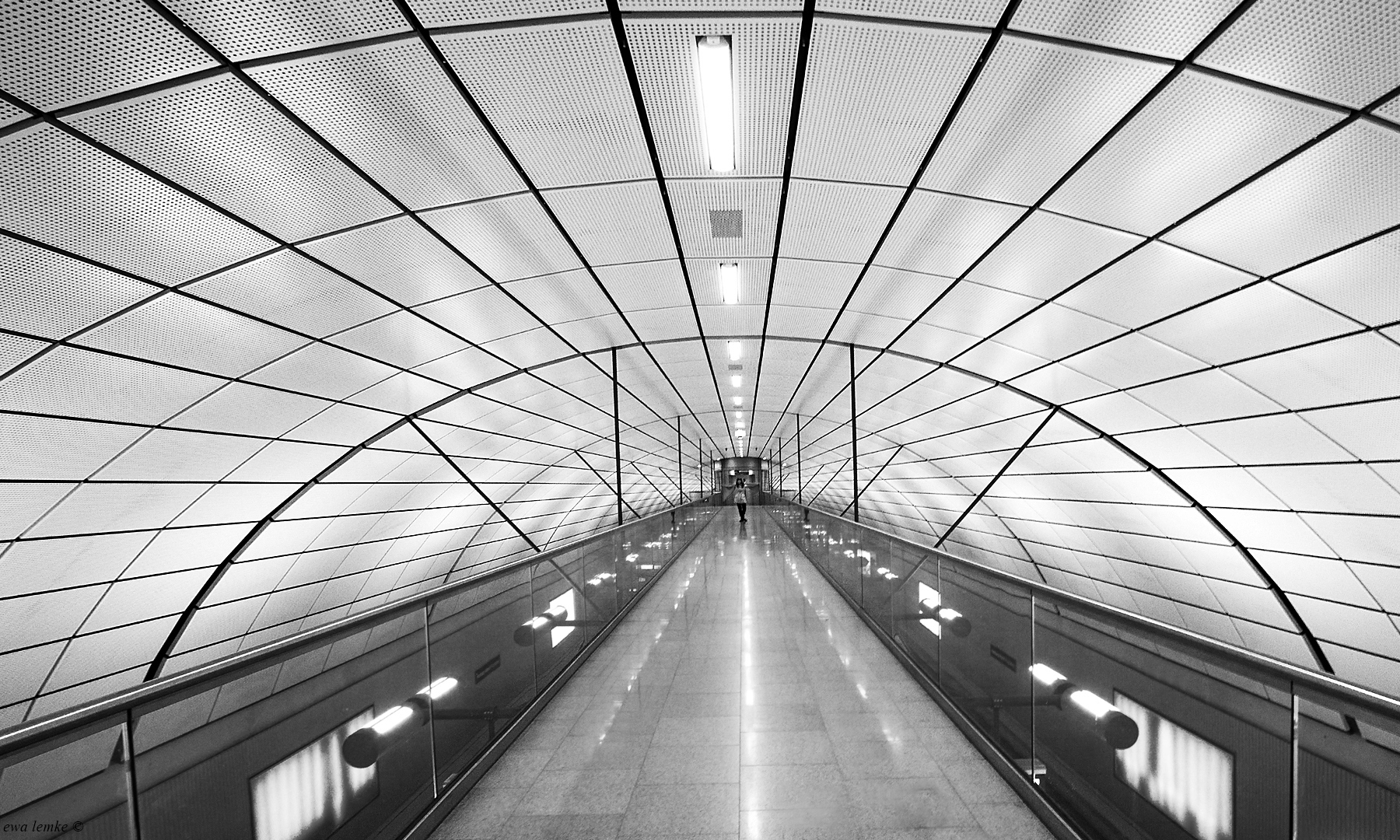 afo_ewa_lotnisko01