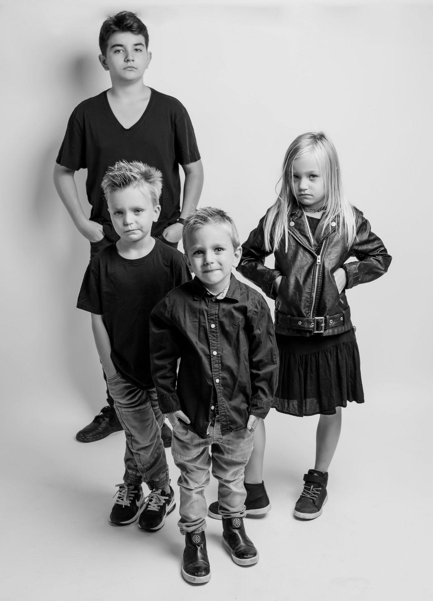 Sesja zdjęciowa kobieca, zdjęcia dziecięce i portrety dokumentacyjne. Wyróżnione zdjęcia po spotkaniu live. 312 Kursy i 305 AFO