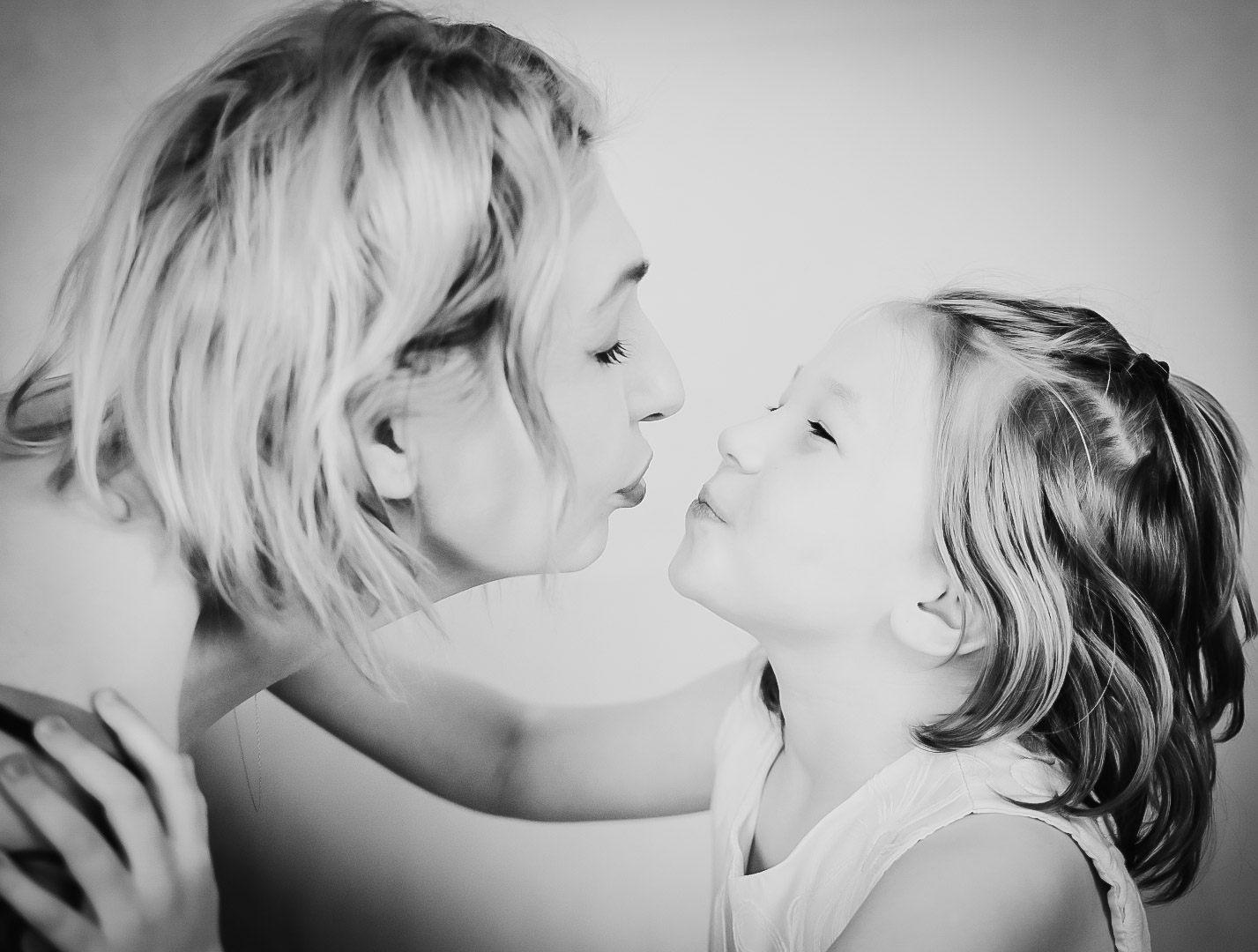 Zdjęcie rodzinne, portrety dziecięce. Recenzja zdjęć LIVE. Nauka fotografii online. 349 Kursy i 341 AFO
